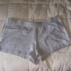 Cute Abercrombie & Fitch gray shorts size small